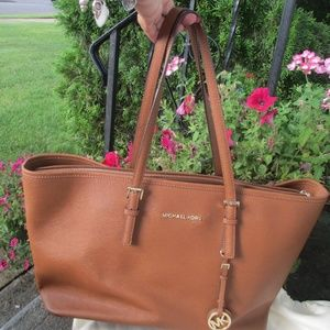 Micheal Kors  brown large bag leather  tote
